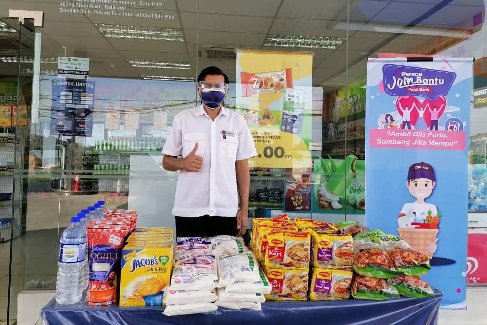 Over 190 Petron Service Stations Open Food Banks